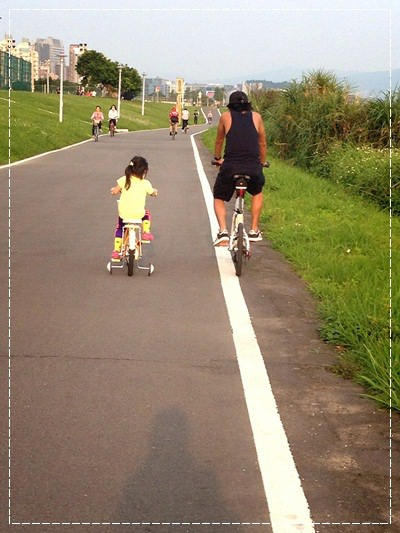 ﹝4Y8M4W2D﹞美堤河濱公園騎單車去 (72)