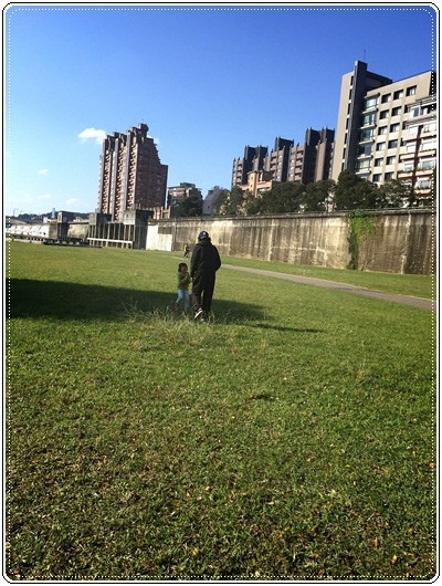 【小猴媽❤大創】轟金透ㄟ野餐日at 美堤河濱公園 (92).jpg