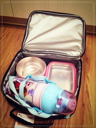 揹起書包上學去~日本真皮書包開箱文與便當餐盒的準備 (38)
