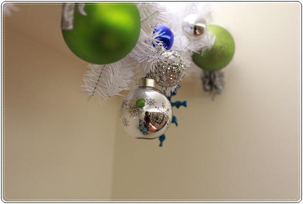 【小猴媽❤大創】聖誕節ㄟ居家佈置。拉哩溝~拉哩溝~歡迎來到艾莎女王的冰雪世界 (8).JPG