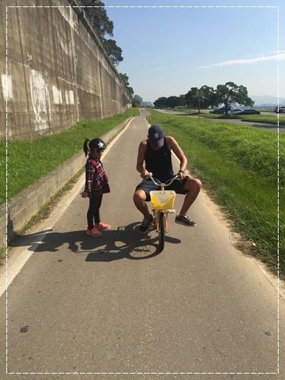 安娜愛上學✿‿✿圖畫日記:學騎雙輪腳踏車 (2).jpg