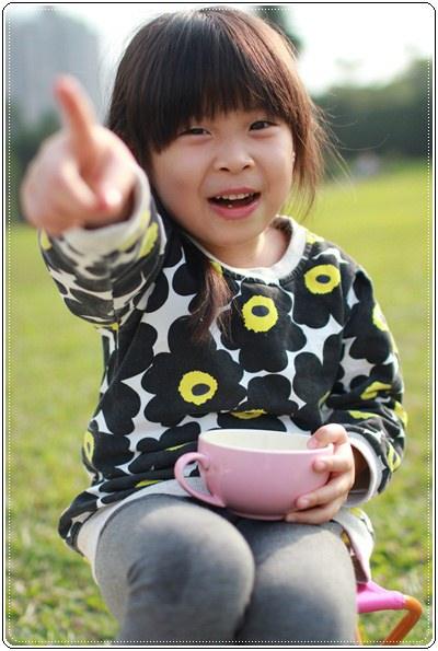 【小猴媽❤大創】 宛如夢幻婚禮般的粉嫩春日野餐 at 南港公園 (74).JPG