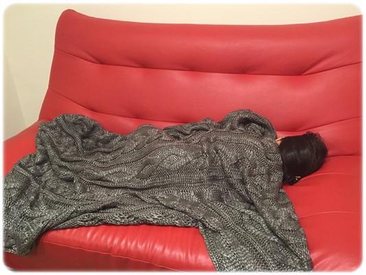 【小猴媽❤佈置】HOLA。溫暖直通心房的HH金屬光澤編織毯 (19)