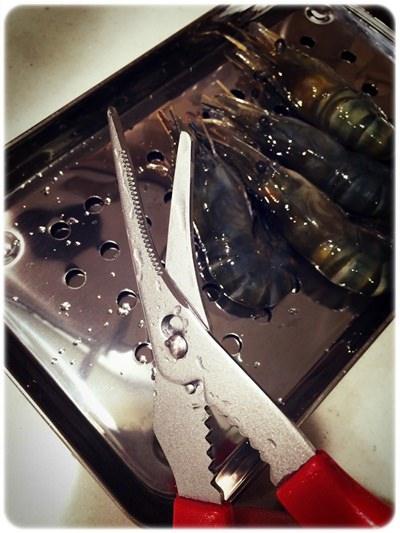 【小猴媽❤佈置】HOLA。讓蝦兵蟹將都好抖抖抖~ㄟ日本貝印蟹剪 (4).jpg