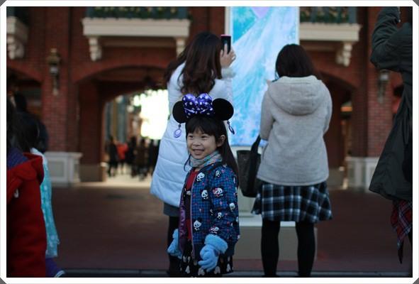 2015冬遊日本。東京迪士尼樂園之安娜與艾莎的冰雪夢幻 (23).JPG