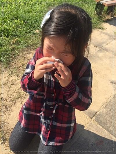 安娜愛上學✿‿✿圖畫日記:學騎雙輪腳踏車 (6).jpg