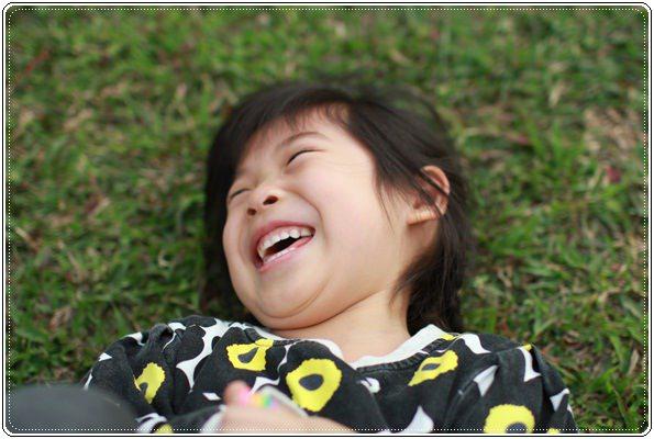 【小猴媽❤大創】 宛如夢幻婚禮般的粉嫩春日野餐 at 南港公園 (42).JPG
