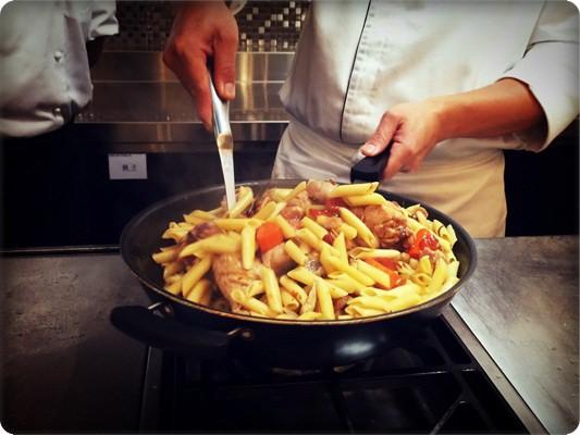﹝邀約﹞你知我知好學網◎地中海創義.義大利媽媽的味道(獵人式蔬菜燉雞) (76).jpg