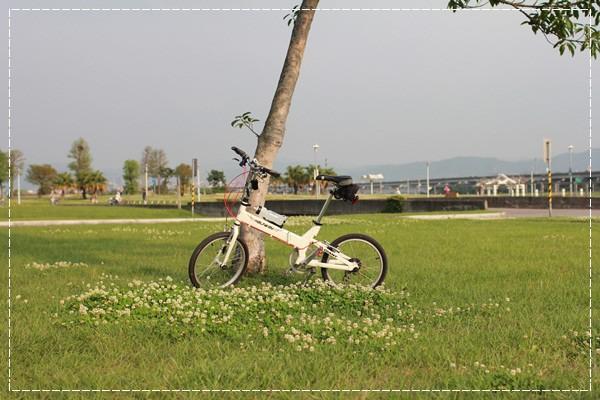 ﹝4Y8M4W2D﹞美堤河濱公園騎單車去 (1)