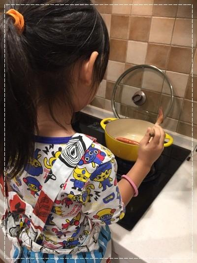 【親子。小廚房】漫長暑假是培養小小廚神的大好時機!! (12).jpg