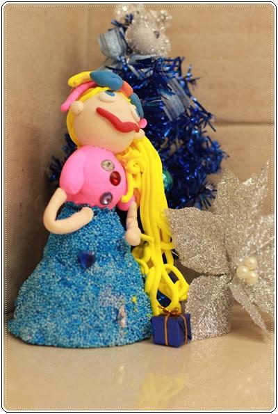 【小猴媽❤大創】聖誕節ㄟ居家佈置。拉哩溝~拉哩溝~歡迎來到艾莎女王的冰雪世界 (28).JPG
