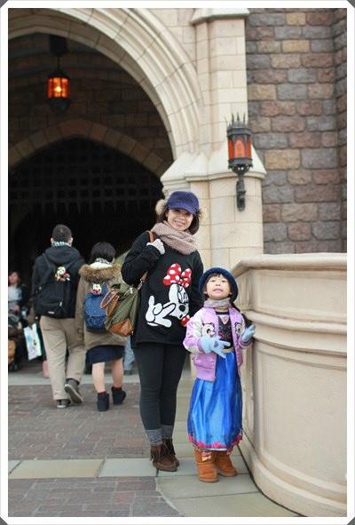 2015冬遊日本。東京迪士尼樂園之安娜與艾莎的冰雪夢幻 (81).JPG