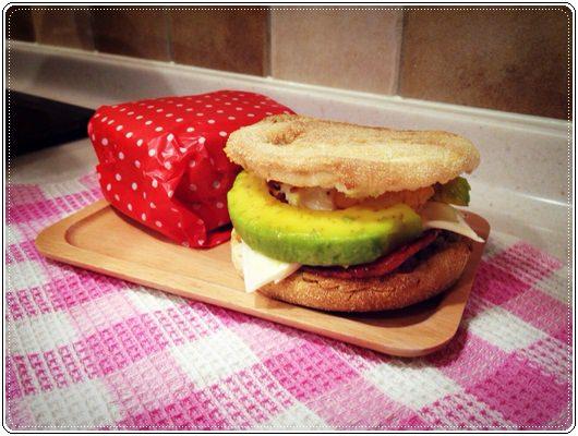 元氣早餐;野餐也美味的酪梨堅果馬芬堡 (5).jpg