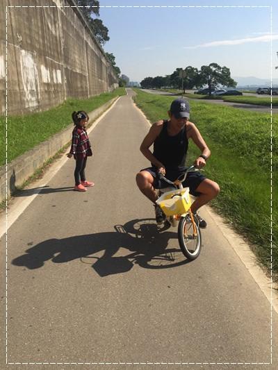 安娜愛上學✿‿✿圖畫日記:學騎雙輪腳踏車 (3).jpg