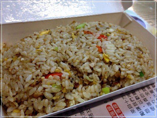 《台北後火車站。美食報報》金架係巷阿來ㄟ蛋炒飯◎元味料理 (3)