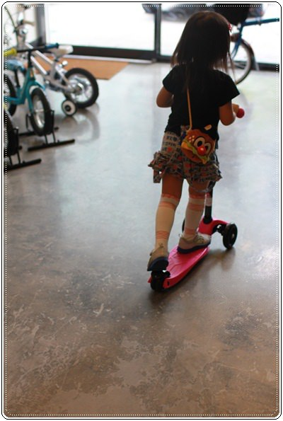 滑板車界ㄟ超跑◎瑞士Micro Maxi T-bar就在捷世樂單車休閒 JESLER BICYCLES (58)