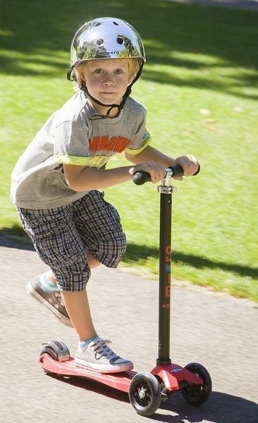 滑板車界ㄟ超跑◎瑞士Micro Maxi T-bar就在捷世樂單車休閒 JESLER BICYCLES (1)