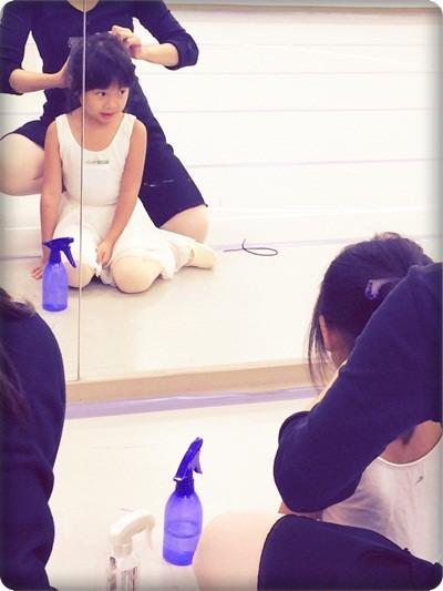 安娜愛舞蹈✿‿✿站在窗台前看啊看~終於成為天鵝姐姐囉!◎雲門專業舞蹈基礎班 (3).jpg