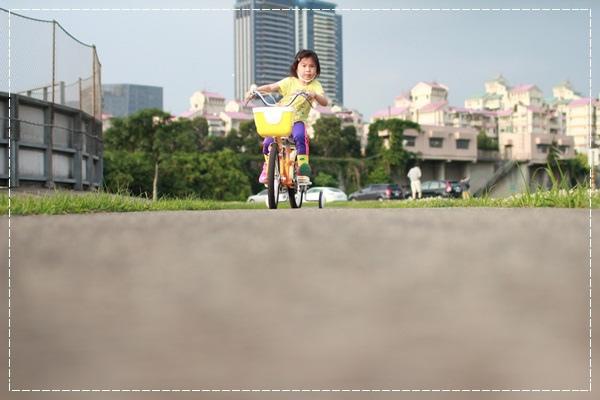 ﹝4Y8M4W2D﹞美堤河濱公園騎單車去 (56)