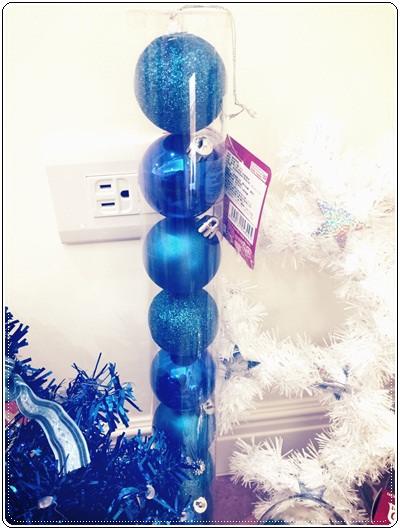 【小猴媽❤大創】聖誕節ㄟ居家佈置。拉哩溝~拉哩溝~歡迎來到艾莎女王的冰雪世界 (2).jpg