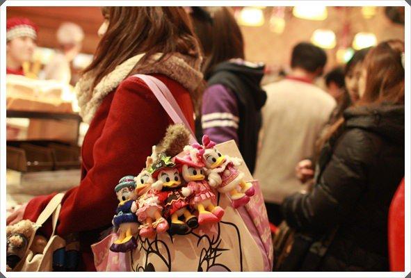 2015冬遊日本。東京迪士尼樂園之安娜與艾莎的冰雪夢幻 (57).JPG