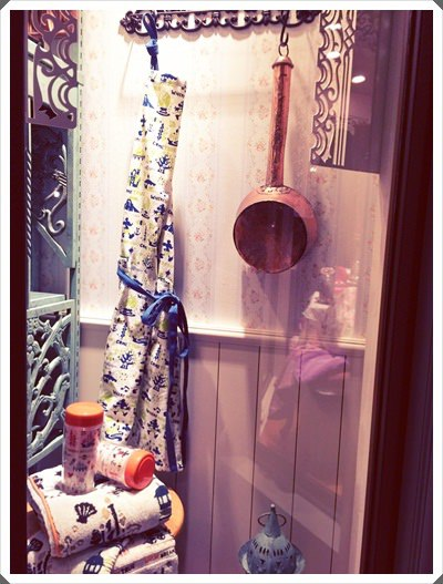 2015冬遊日本。東京迪士尼樂園之安娜與艾莎的冰雪夢幻 (154).jpg