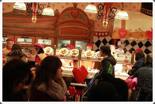 2015冬遊日本。東京迪士尼樂園之安娜與艾莎的冰雪夢幻 (51).JPG